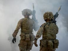 """Des chefs de l'armée accusés de dissimulation après qu'un soldat a """"tué une travailleuse du sexe et caché son corps"""""""