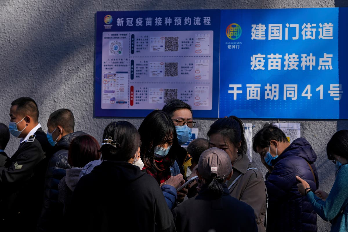 Chinese province closes tourist sites following virus cases
