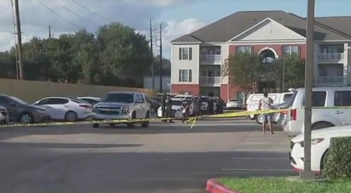 検死により、テキサスの自宅で発見された子供の骨格遺体の死因が明らかに