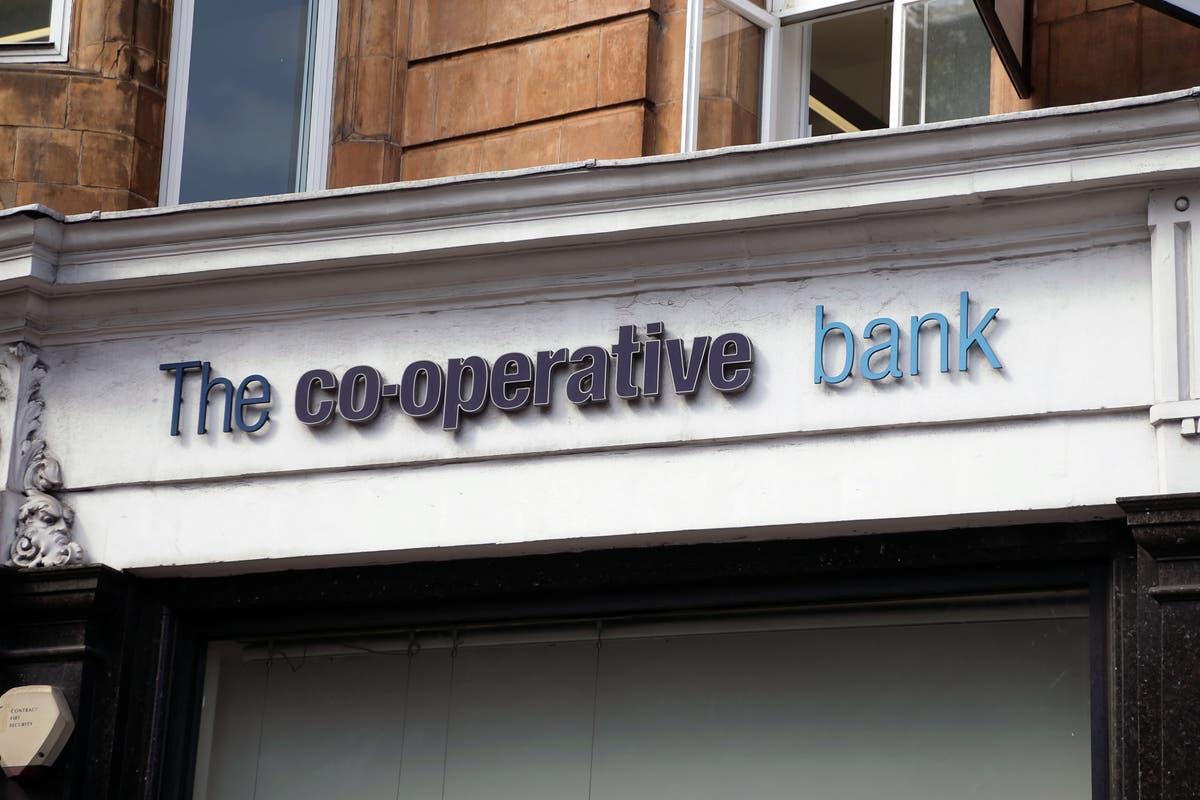 Banco cooperativo confirma abordagem para comprar TSB