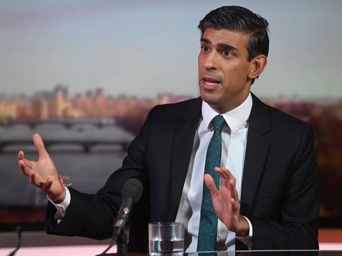 Rishi Sunak to end public sector pay freeze - follow latest on Budget 2021
