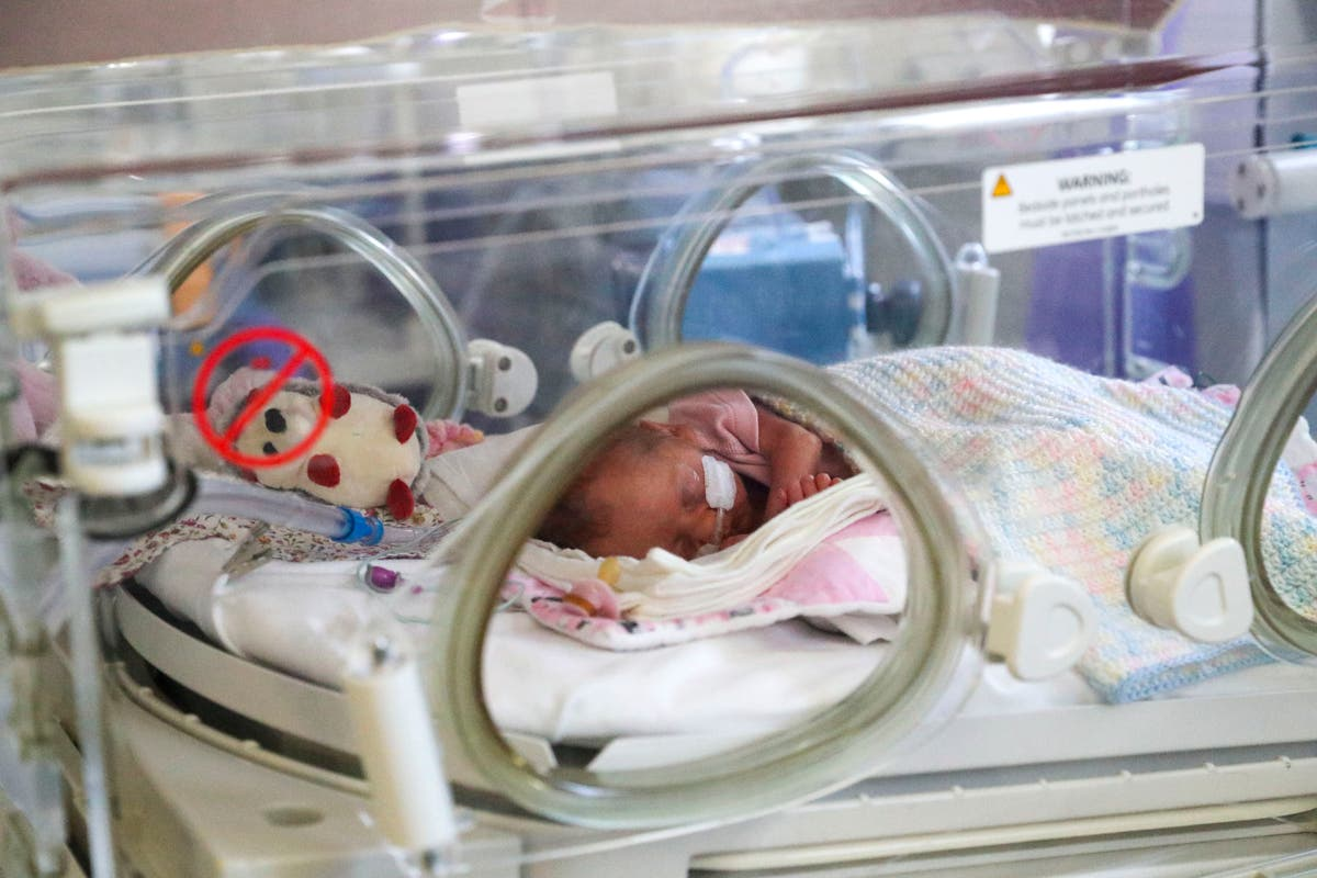 Baby born into toxic air every 2 minutes in UK, étude montre