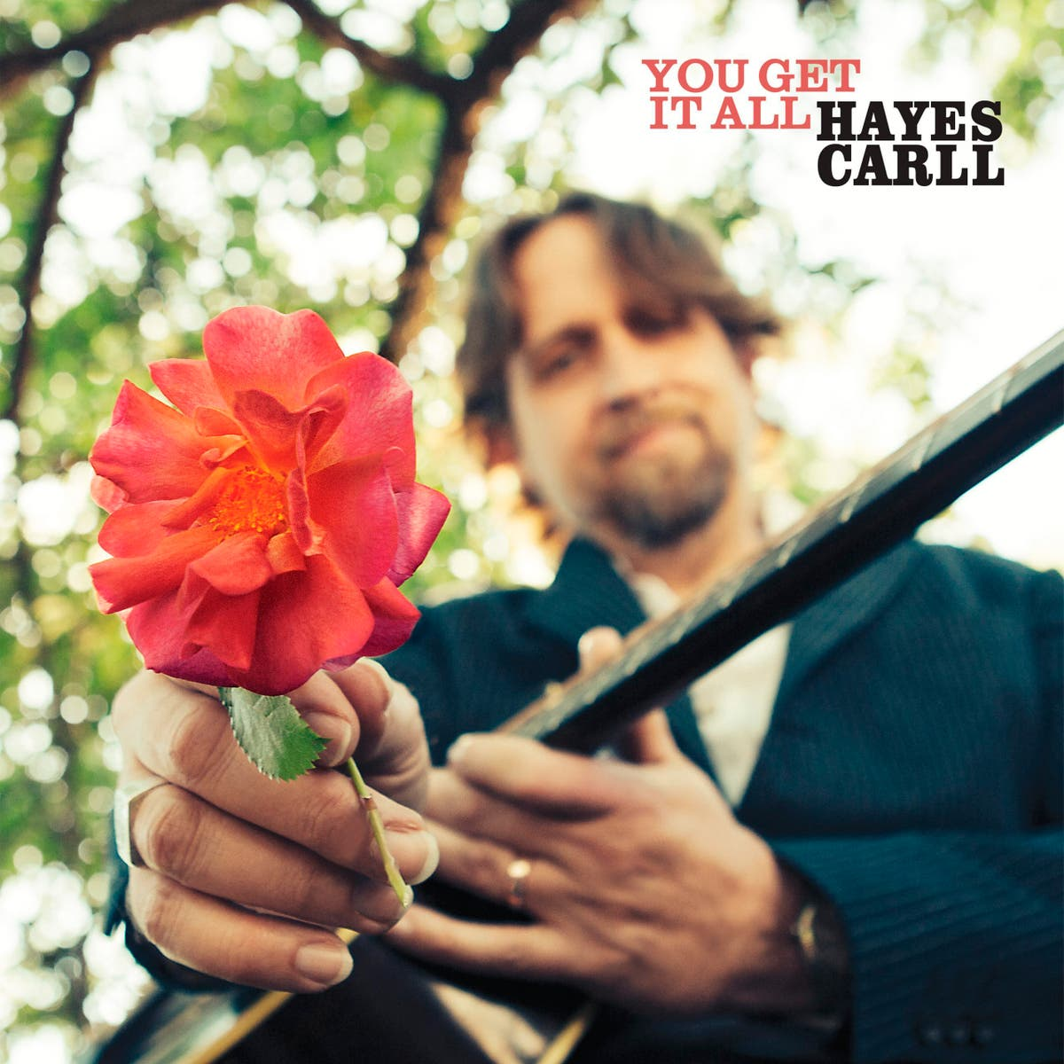 Anmeldelse: Hayes Carll tackles serious topics with droll humor