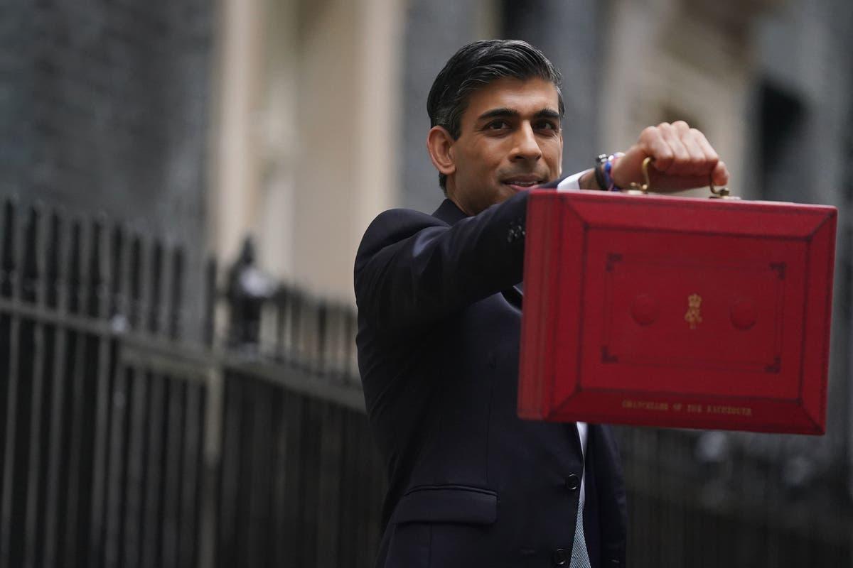 Sunak's 'meagre' schools' funding falls 'far short', warns former government adviser