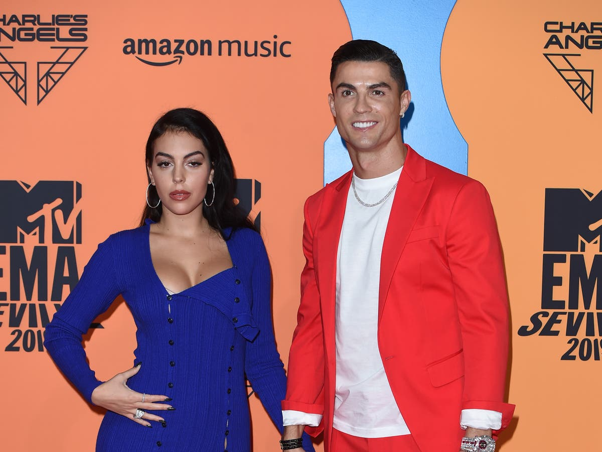 Cristiano Ronaldo announces he and his partner are expecting twins