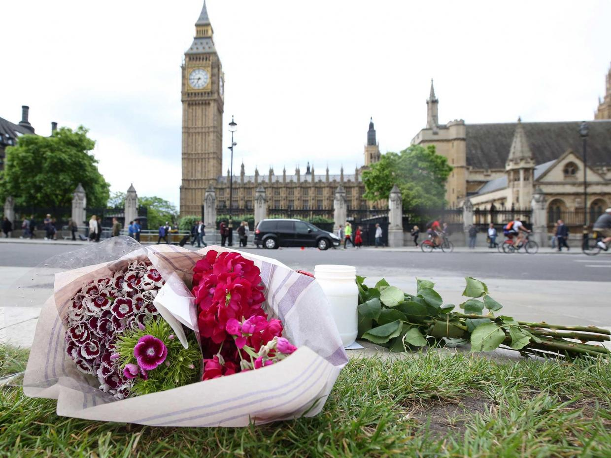 http://static.independent.co.uk/s3fs-public/styles/article_large/public/thumbnails/image/2016/06/17/10/jo-cox-tributes-7.jpg