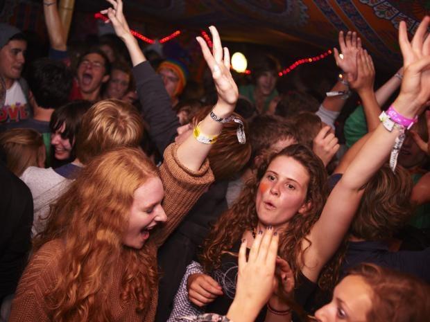 2011_Latitude_Marc-Sethi_Friday_Crowd_006.jpg
