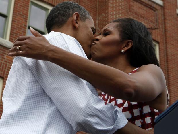 24-kissstillakiss-rt.jpg