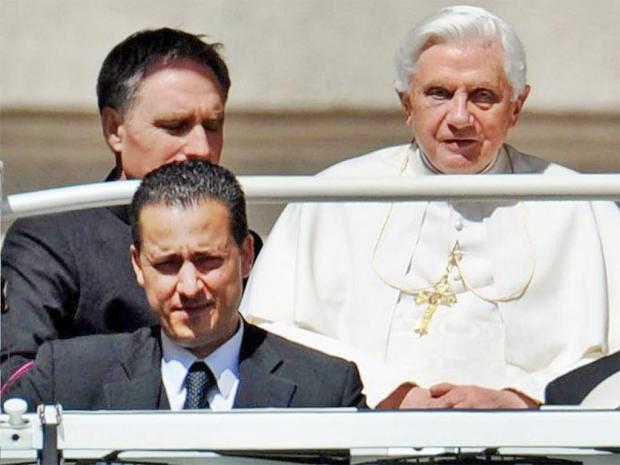 pg-32-vatican-epa.jpg