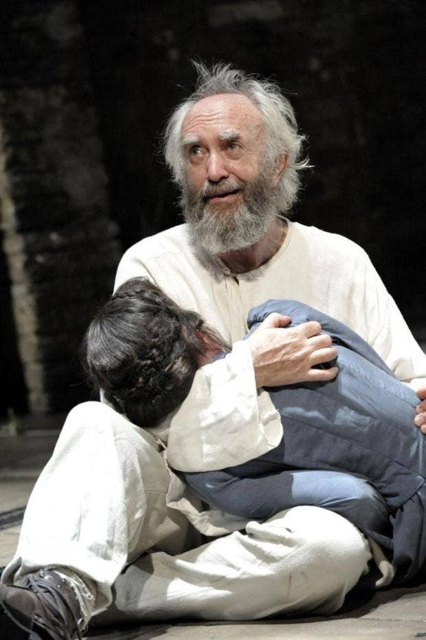 Jonathan Pryce as King Lear, Almeida Theatre. Photo Credit Keith Pattison E_0.jpg