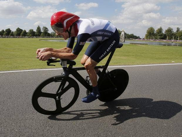 wiggins on bike.jpg