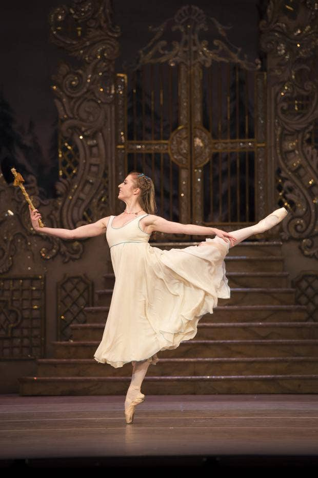 Meaghan Grace Hinkis in The Nutcracker photo Bill Cooper courtesy of ROH..jpg