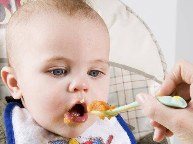 rexfeatures-baby-feed.jpg