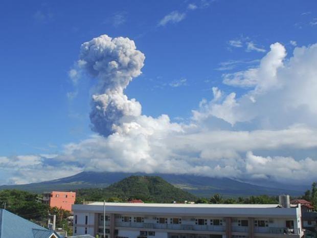 Mayon-volcano-AP.jpg