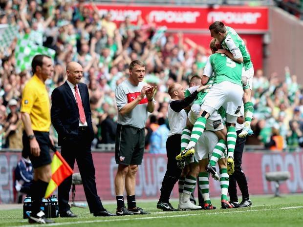 Yeovil-Town-players-celebra.jpg