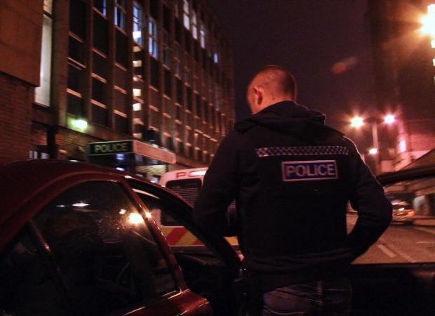 H4BSG1Telford_police_preparing_to_make_arrests.jpg