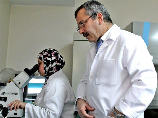 web-palestine-doctor.jpg