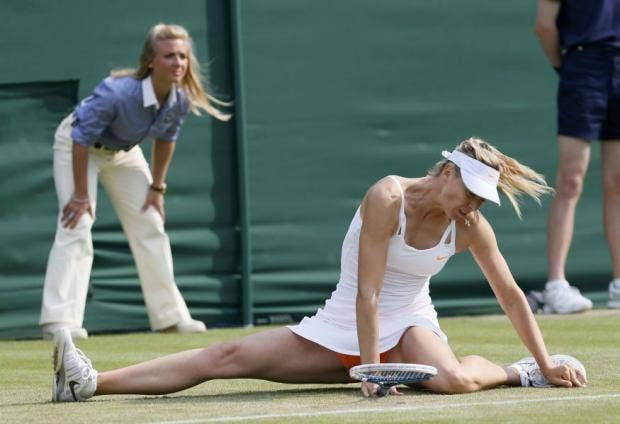 captioncomp_sharapova-slip.jpg