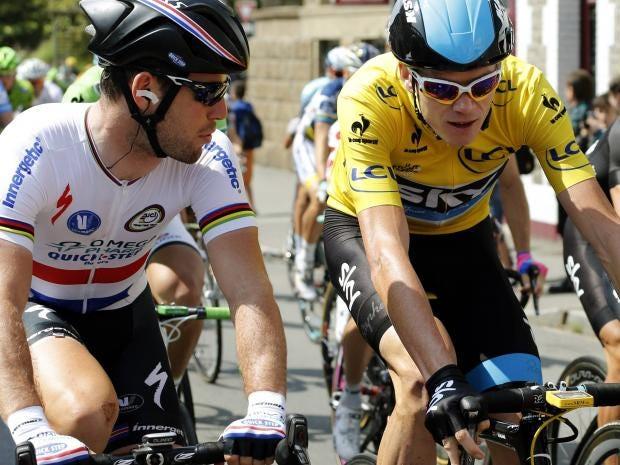 Mark-Cavendish-speaks-with-.jpg