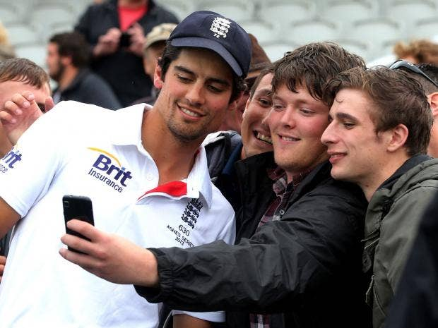01-alastair-cook-paw.jpg