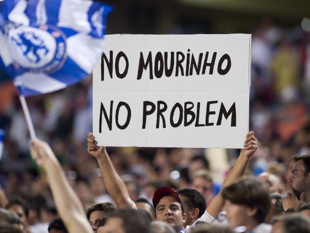 Mourinho-sign.jpg