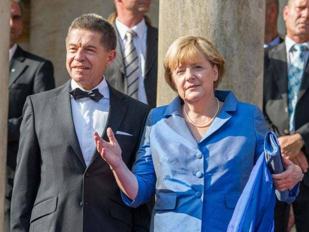 37-Merkel-EPA.jpg