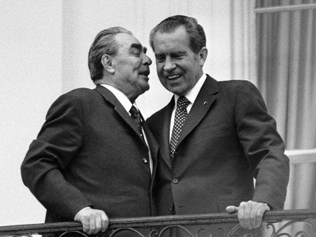 nixon-and-brezhnev.jpg
