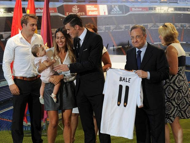 Gareth-Bale-family.jpg