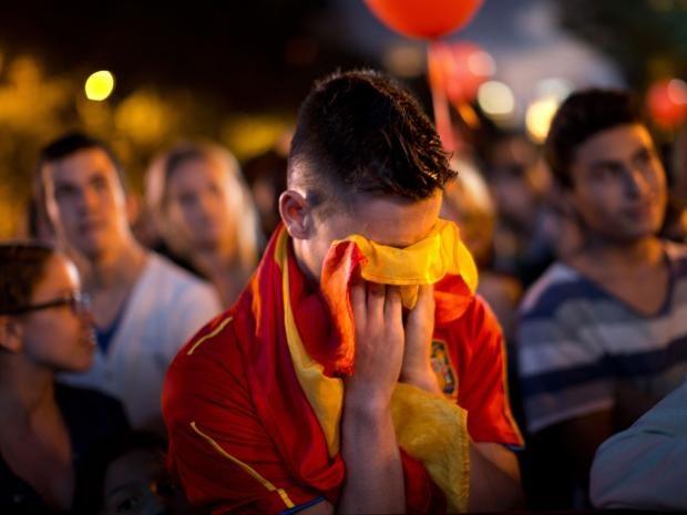 33-Spanish-flag-AP.jpg