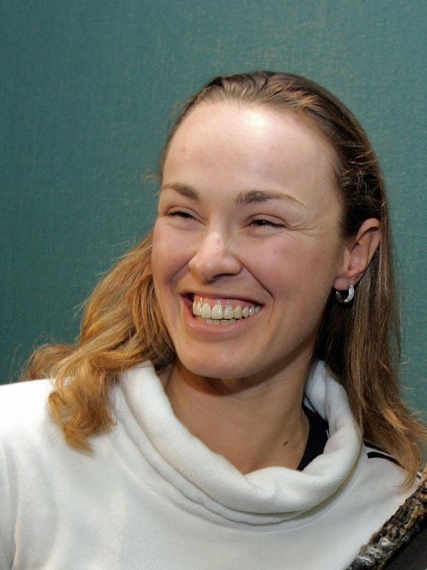 32-tennis-mother-afpgt.jpg