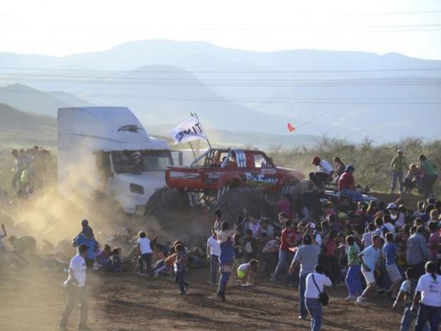 AN29618073A-monster-truck-r.jpg