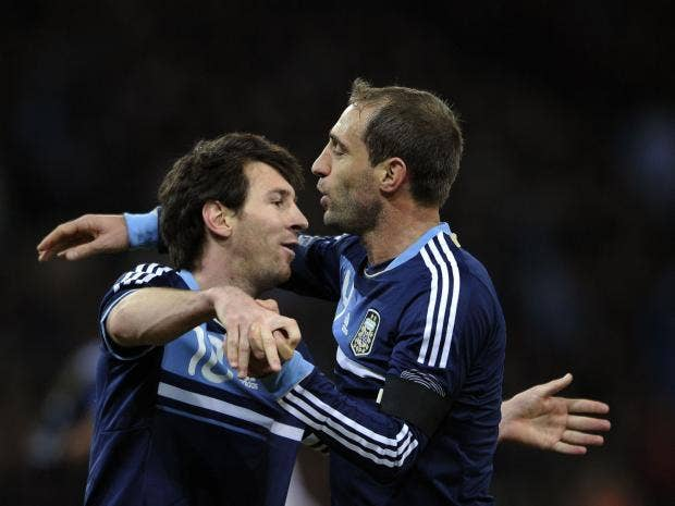 Messi-Zabaleta.jpg