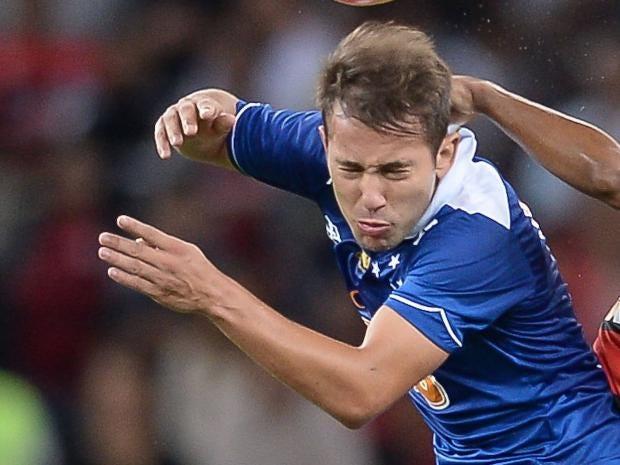 Everton-Ribeiro.jpg