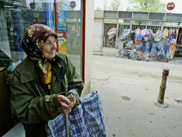 roma-beggar.jpg
