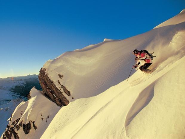 skiing-off-piste-alamy.jpg