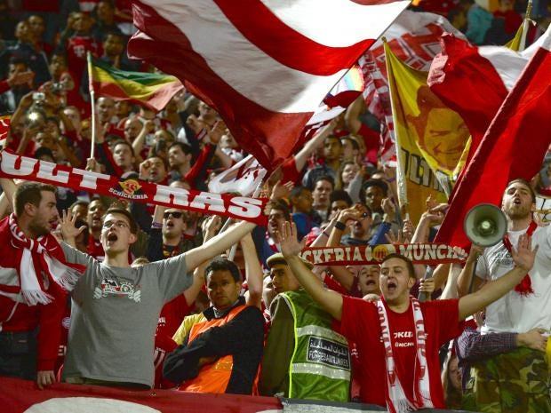 Bayern-Munich-fans.jpg