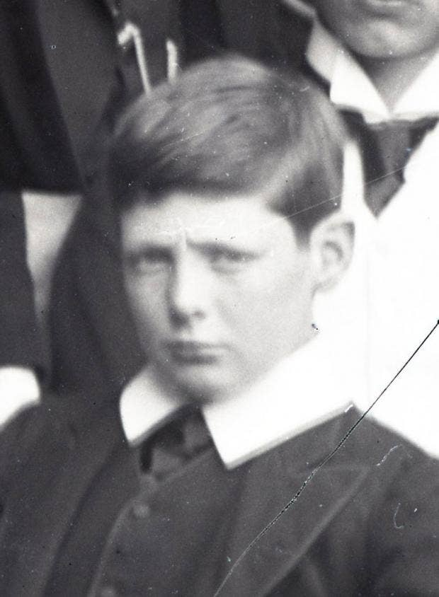 Churchill-head-1890.jpg