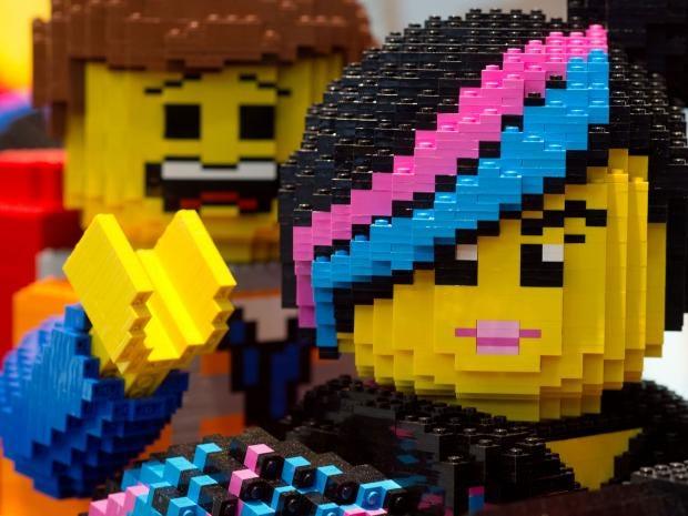 lego-statues.jpg