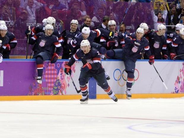 p12hockeyAFP.jpg
