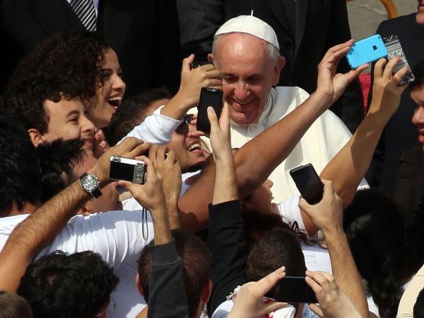 pope-francis-selfies.jpg
