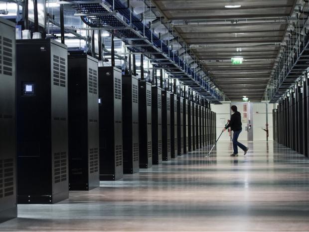 FB-data-centre.jpg