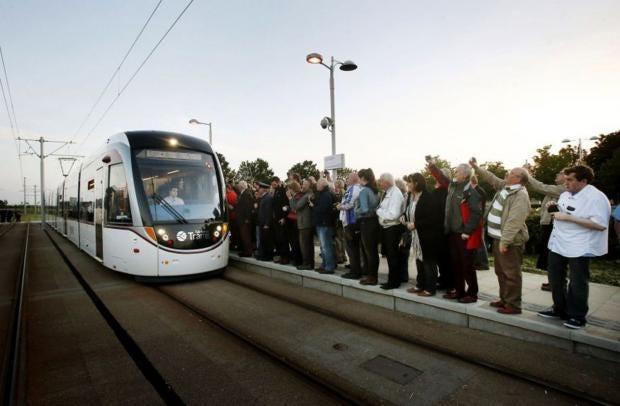 Edinburgh-tram-PA.jpg
