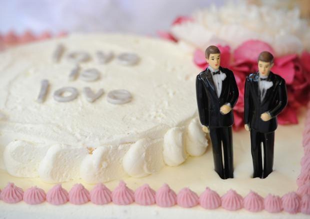 Gay-Cake-Controversey.jpg