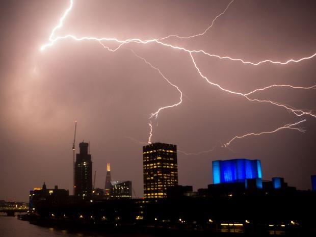 lightning1v2.jpg