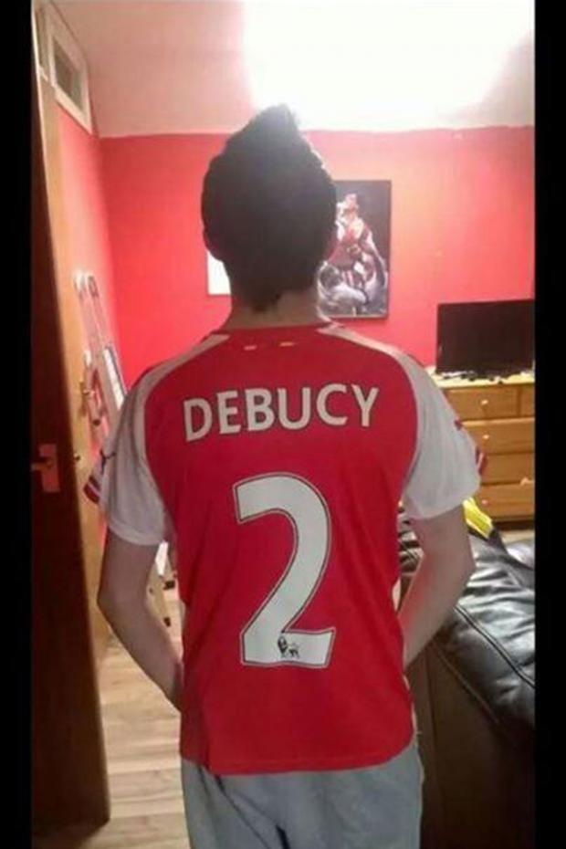 Arsenal-kit.jpg