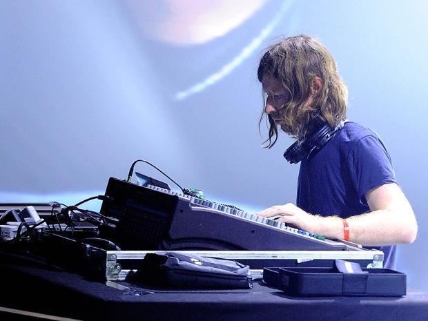 Aphex_Twin_Paris_Pitchfork_Festival.jpg