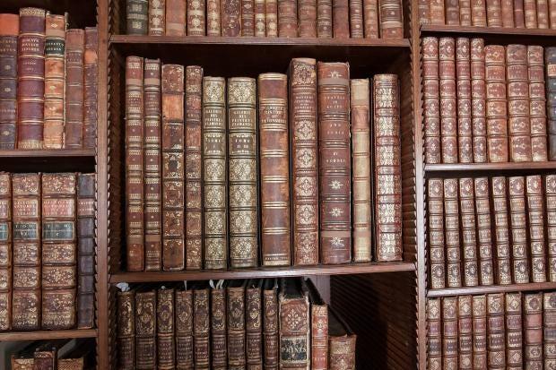 library-419254_1280.jpg