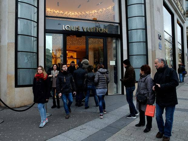 Champs-Elysees-AP.jpg