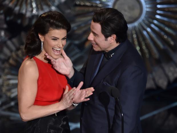 Idina-Menzel-and-John-Travolta.jpg