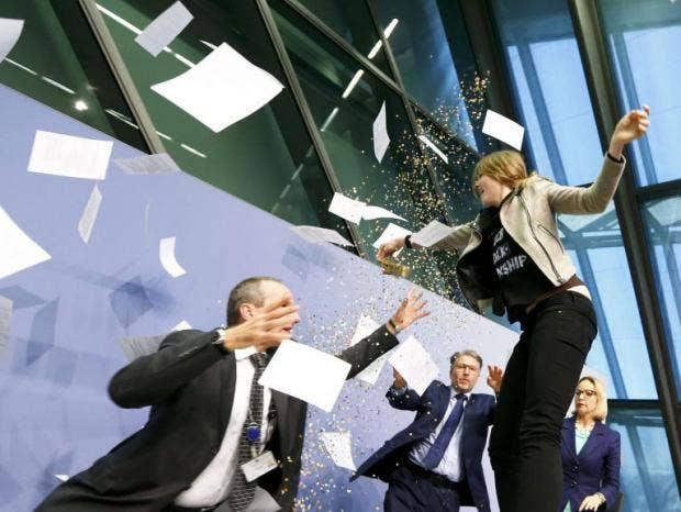 DraghiProtester.jpg